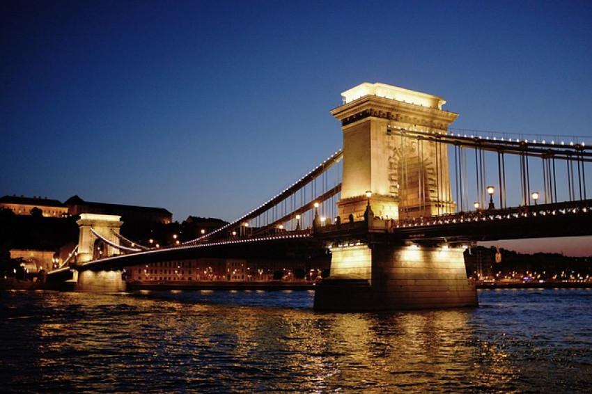 bridge-177281_640
